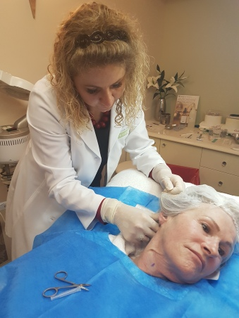 Dr Dalize at work